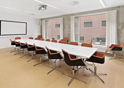 Konferansebord med nedfelte koblingsbokser/stikkontakter